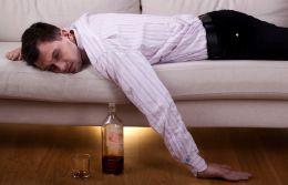 Как меняется лицо алкоголика при злоупотреблении спиртными напитками?