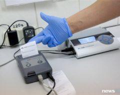 Результат теста распечатывают на компактном принтере.